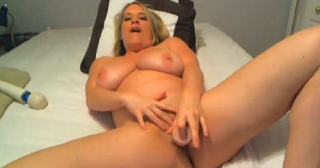 MaggieGreen Busty Blonde MILF