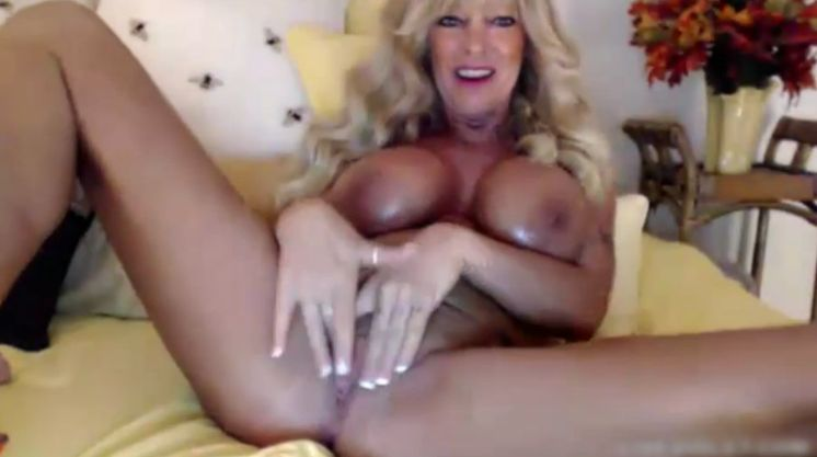 BarbieFoxxx Huge Boobs Blonde Mature