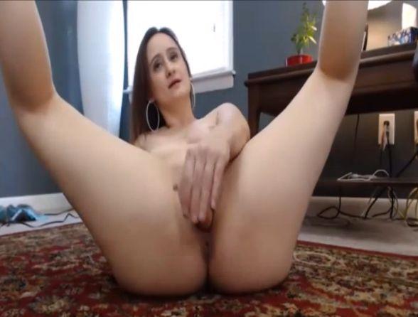 LexieBlair MILF Fucking Her Pussy In The Floor