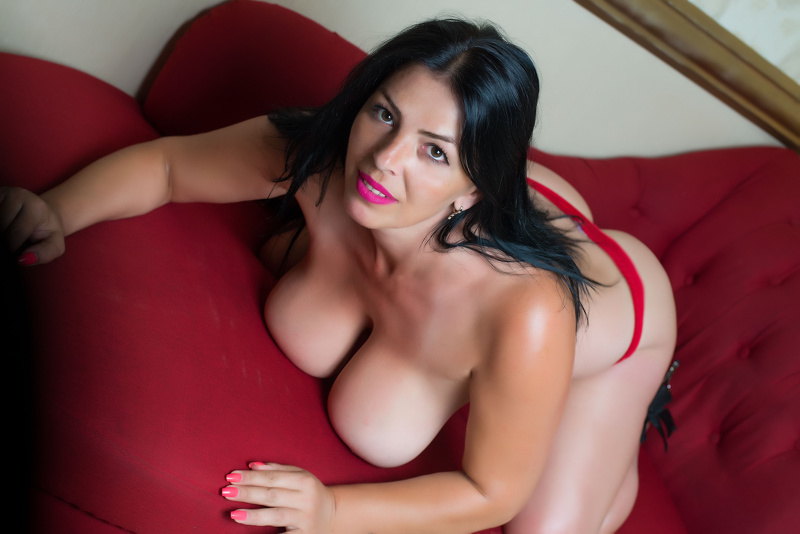 MILFDelicious Horny Slut Free Cams