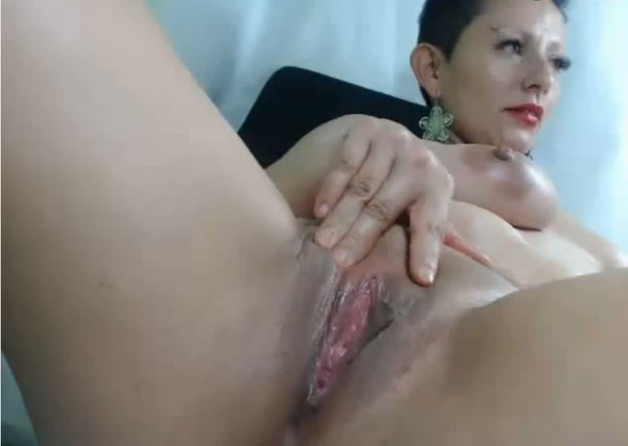 Timkerbell74 Her Pussy Is So Wet