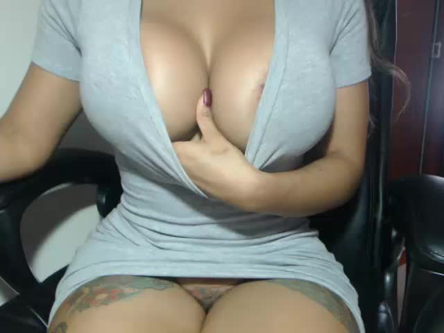 Yungfang Huge Boobs MILF