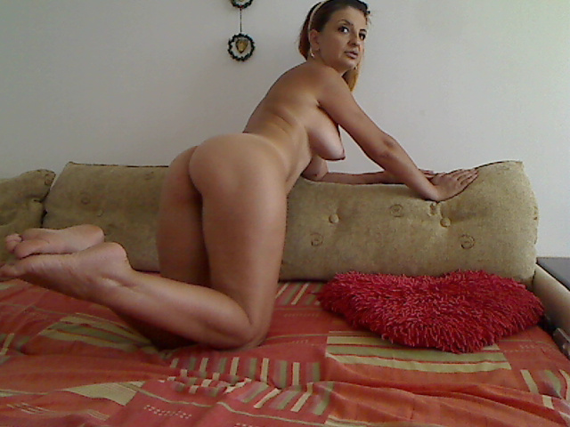 Hot Mature calista73 Webcam Show