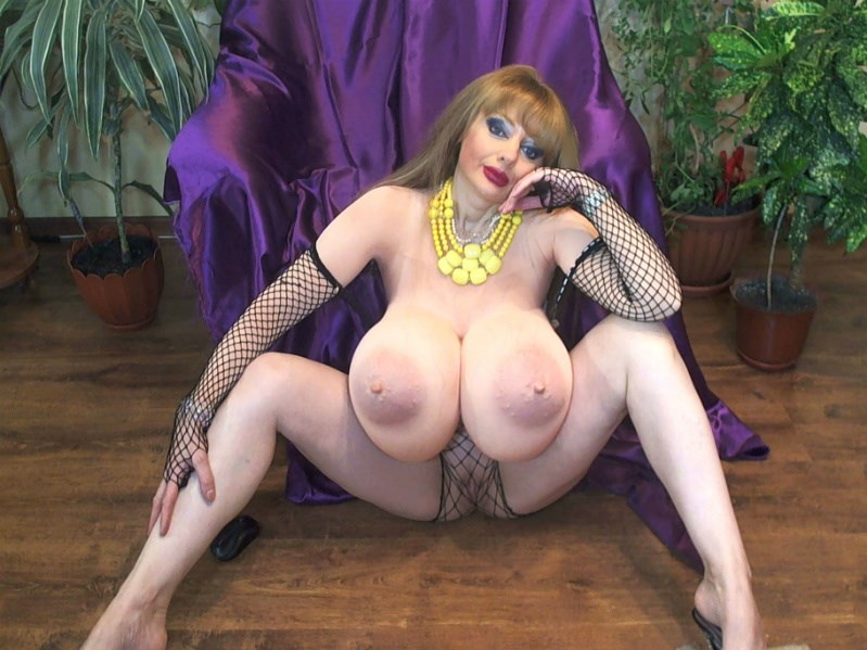 Sandy_48 hot mature with big 50DDs boobs