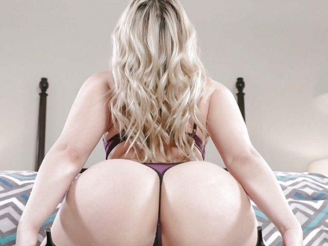 Hot Blonde MILF DeliciousAlba Cam Girl