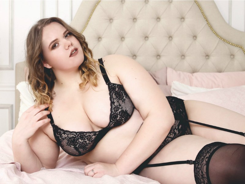 BBW DianaMuffin With Sexy Black Lingerie